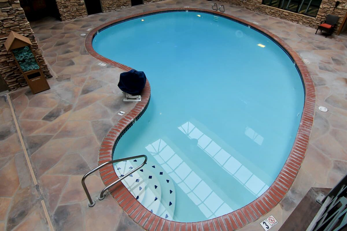 Hotels frequently make use of kidney shaped pools as they appeal to visitors